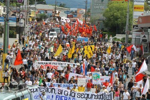 costa_rica_marcha
