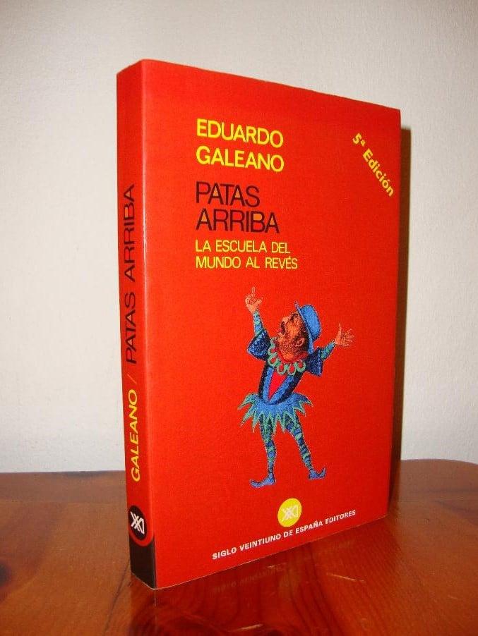 Patas-arriba_Galeano