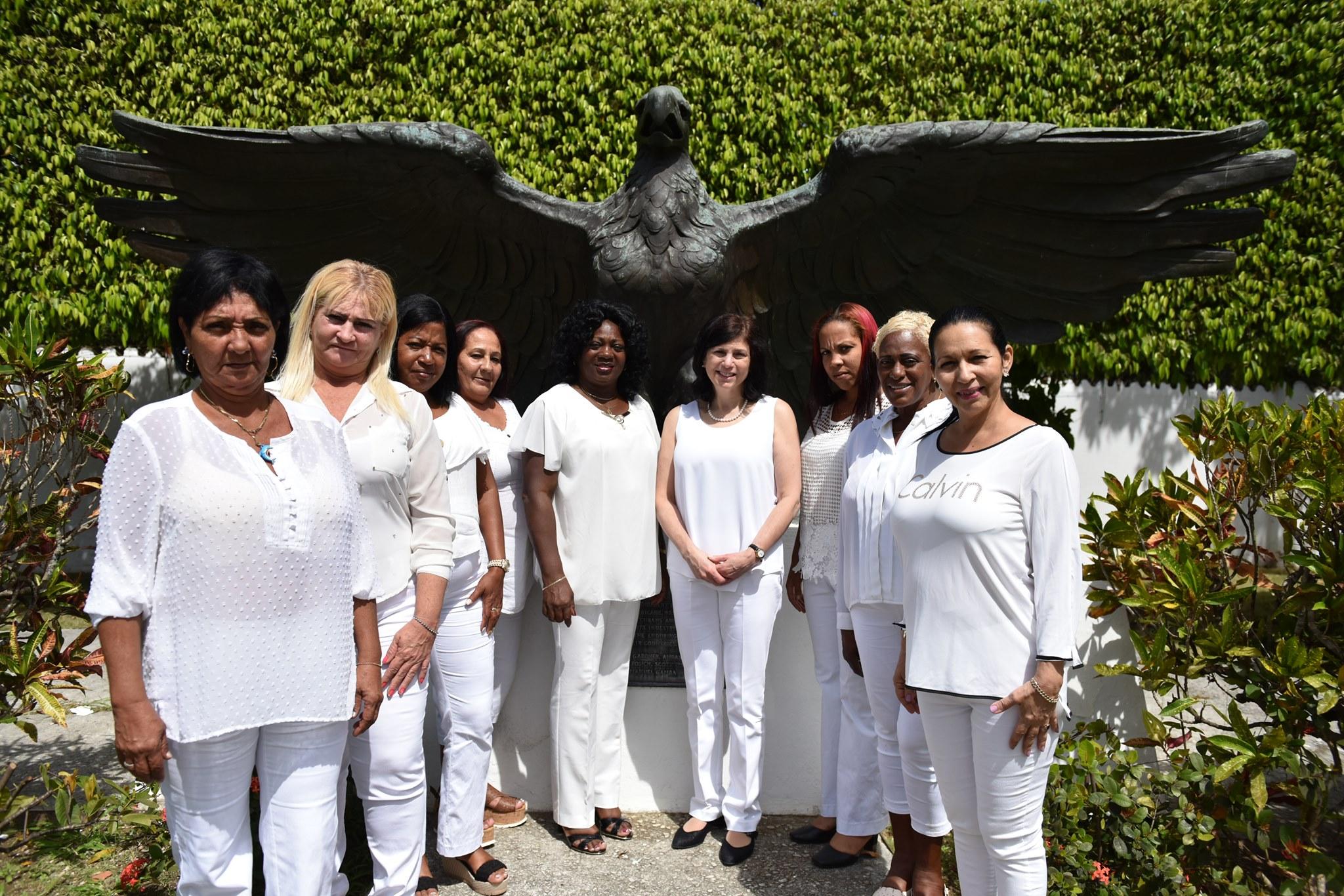Damas de blanca