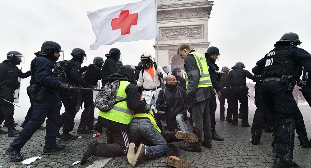 Frankrike_gulavästar